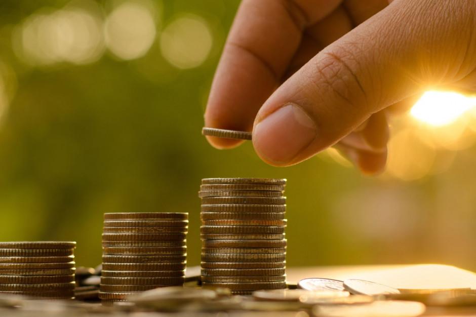 Nowe kryteria zasiłków i wyższe świadczenia z pomocy społecznej