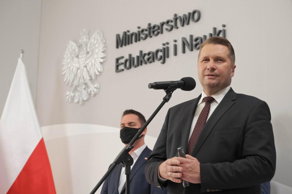 Minister edukacji rozmawia z kuratorami o przygotowaniach do roku szkolnego