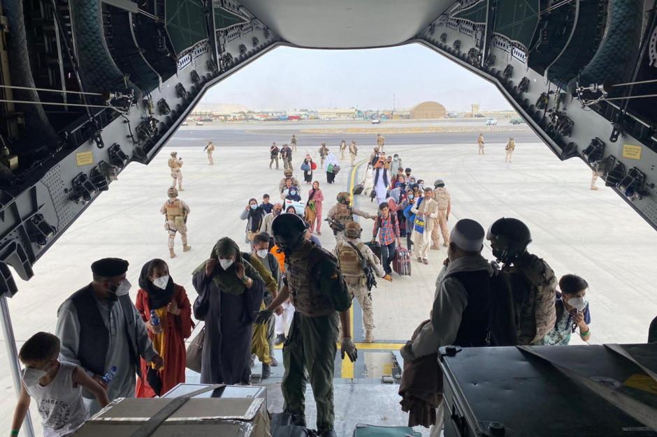 """Samorządy chcą pomóc w Afganistanie. """"Solidarność jest w naszym DNA"""""""