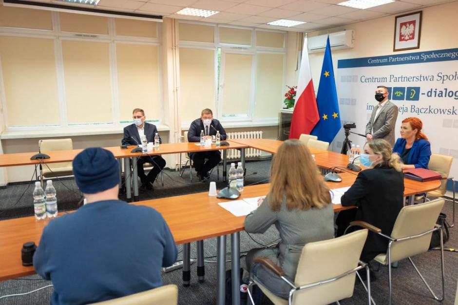 Minister edukacji spotkał się z przedstawicielami forum LGBT+