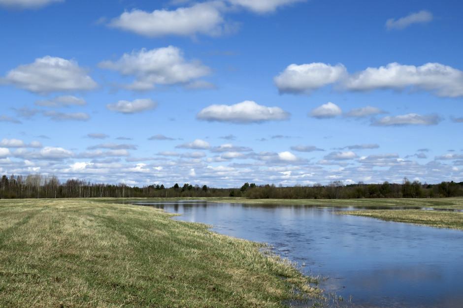 Możliwy gwałtowny wzrost poziomu wody w rzekach. Wydano ostrzeżenia