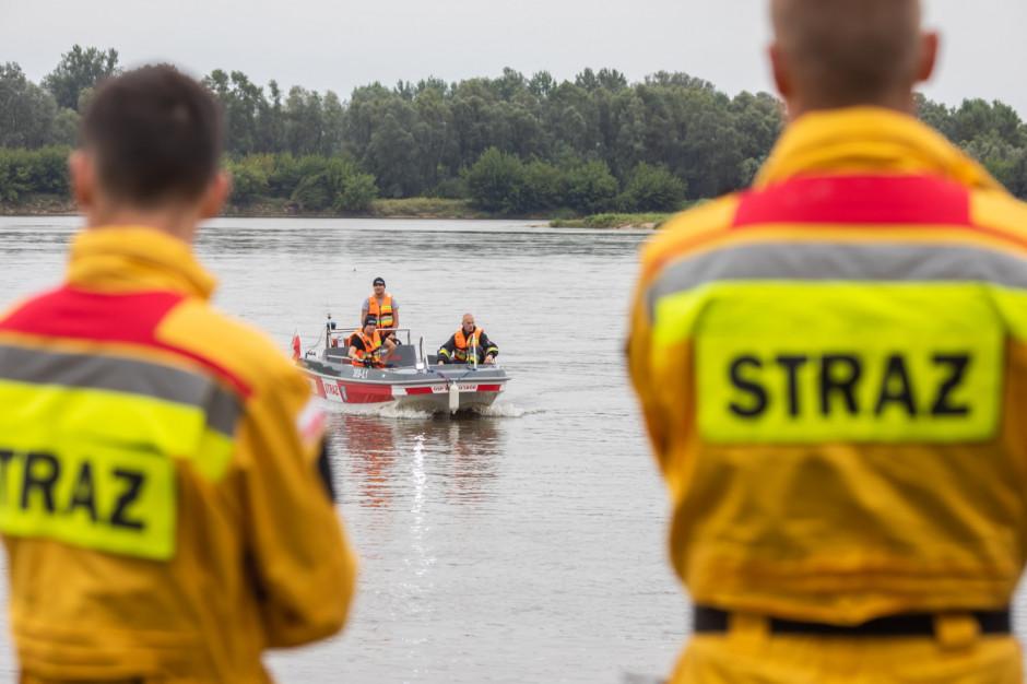 Nieoficjalnie: starosta płocki Mariusz Bieniek wypadł z łodzi. Trwają poszukiwania