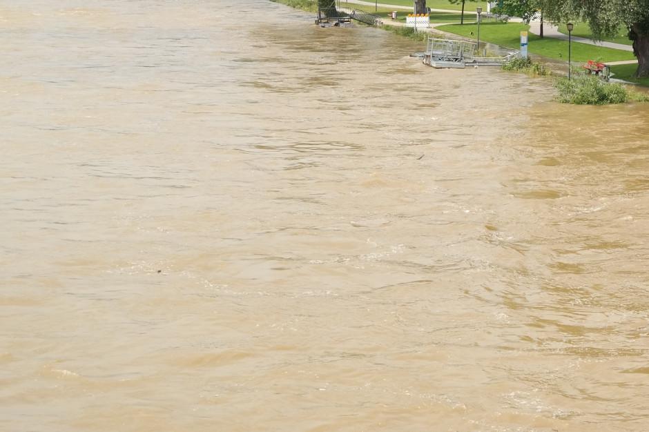 Stany alarmowe na trzech rzekach przekroczone