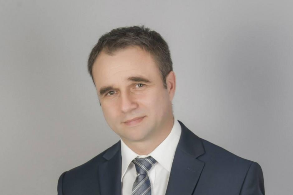 Radny i przewodniczący małopolskiej rady regionalnej Porozumienia odszedł z partii