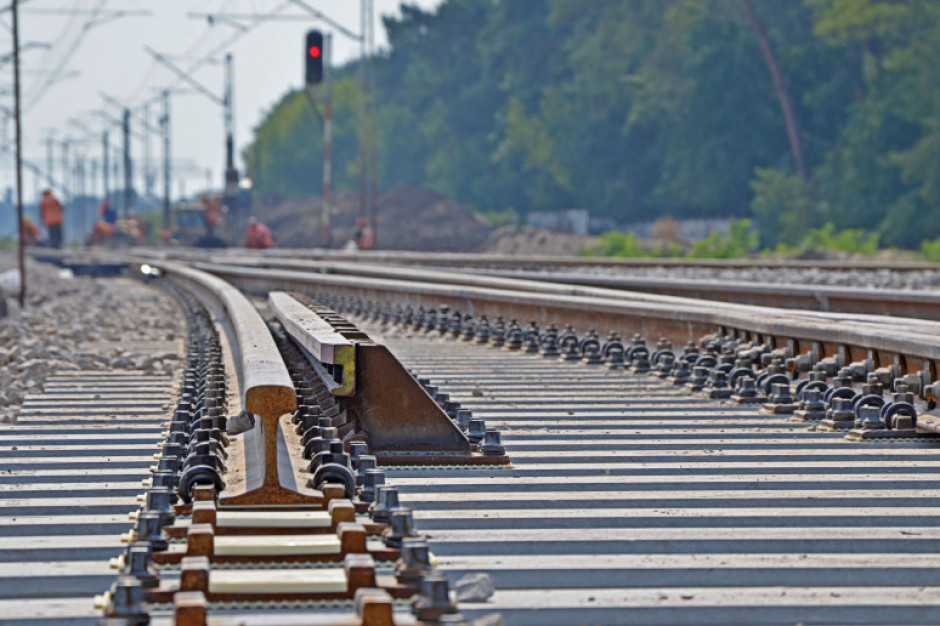 Horała: nowa linia kolejowa Łódź-Sieradz-Wrocław skróci podróż z Wrocławia do centralnej Polski