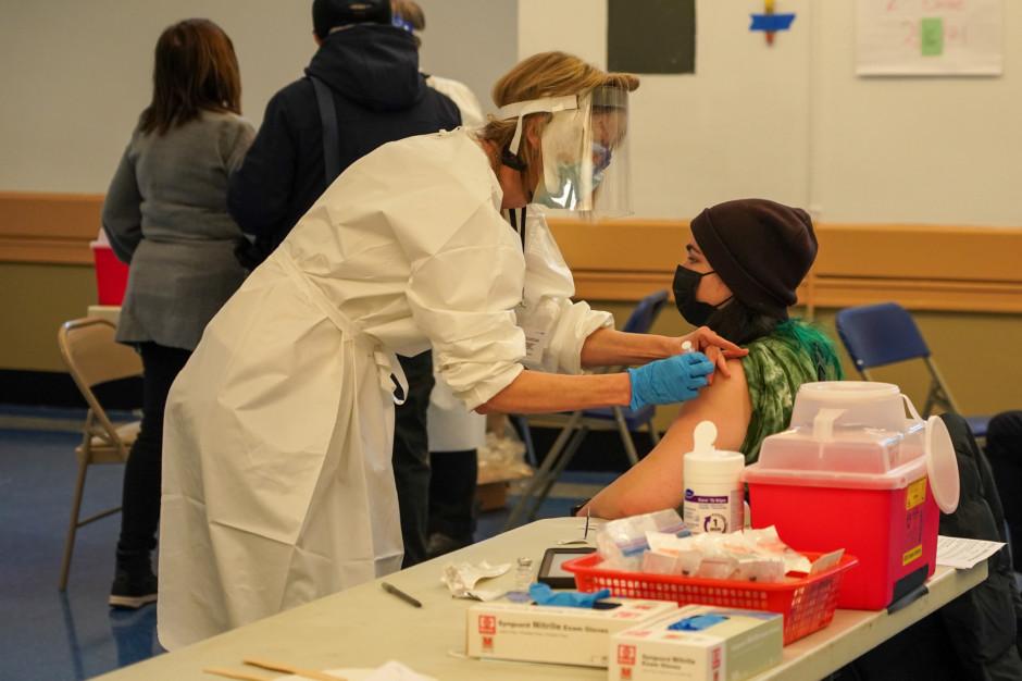 Dyrektorzy zdecydują o zapotrzebowaniu na punkty szczepień w szkołach
