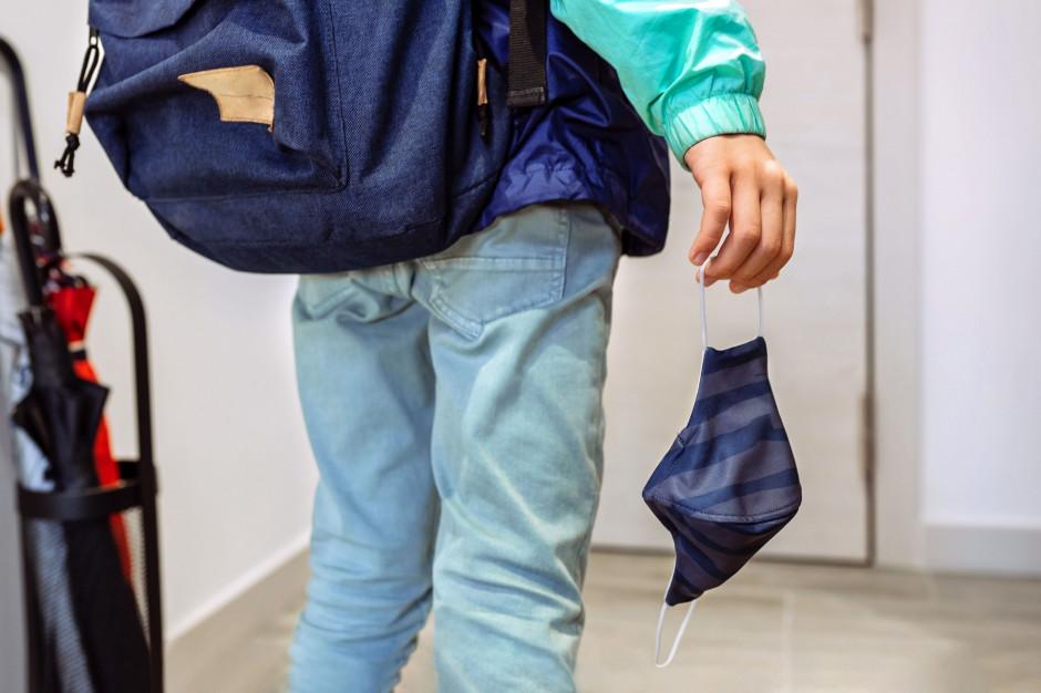 Maseczki na przerwach w szkołach obowiązkowe