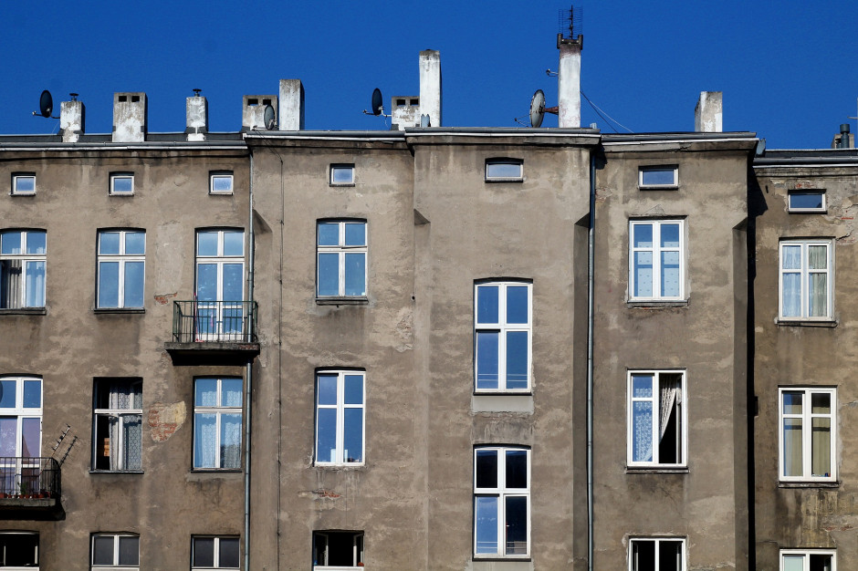 """Minister o zmianach w """"Czystym powietrzu"""".  2 mld złotych dla właścicieli lokali"""