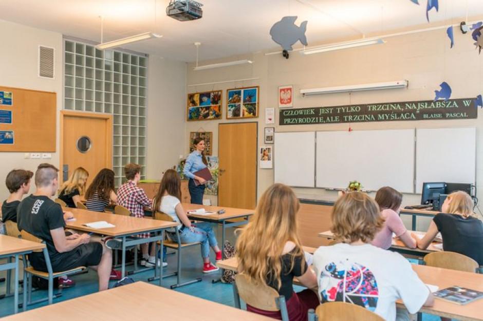 Samorządowe stypendia i zasiłki dla uczniów w roku szkolnym 2021/ 2022