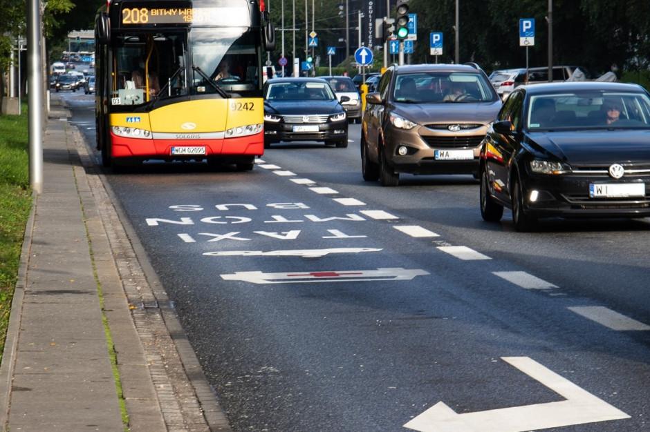 Kolejne 38 kilometrów buspasów w Warszawie. Jeżdżą nimi nie tylko autobusy
