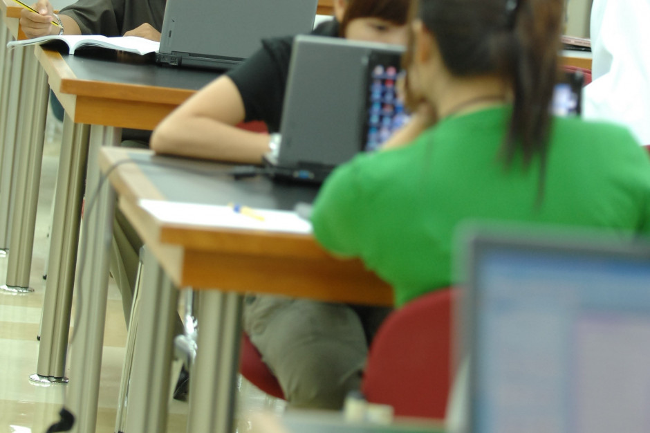 Uczniowie będą badać jakość powietrza w klasach