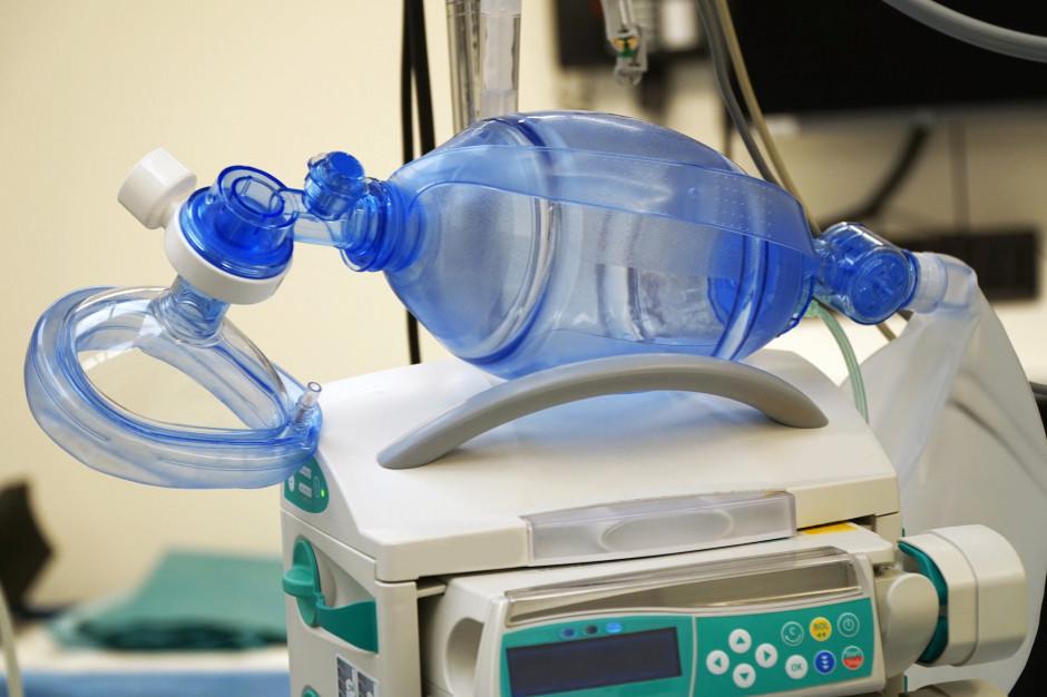 W szpitalach przebywa 529 chorych z COVID-19. Oto najnowsze dane ministerstwa