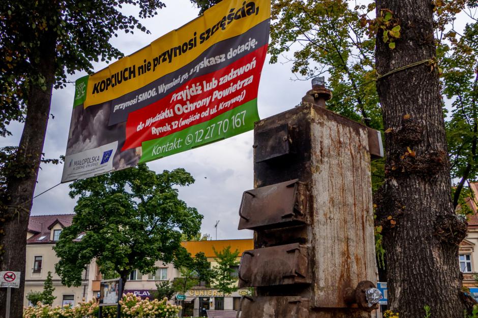 """W Skawinie postawili pomnik """"kopciucha"""" - dla przypomnienia"""