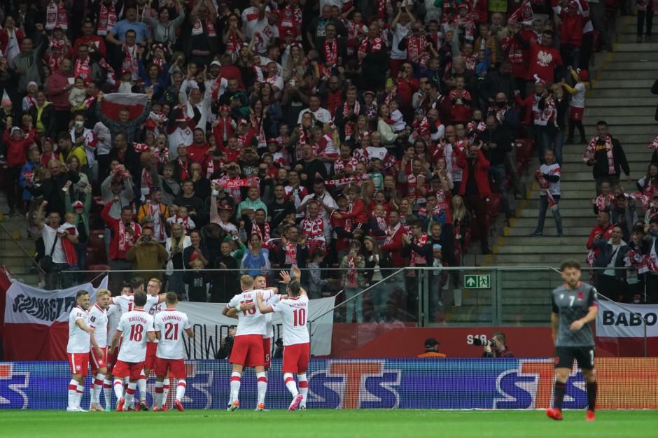 Bezpłatnie pociągiem i komunikacji miejską na mecz Polska-Anglia