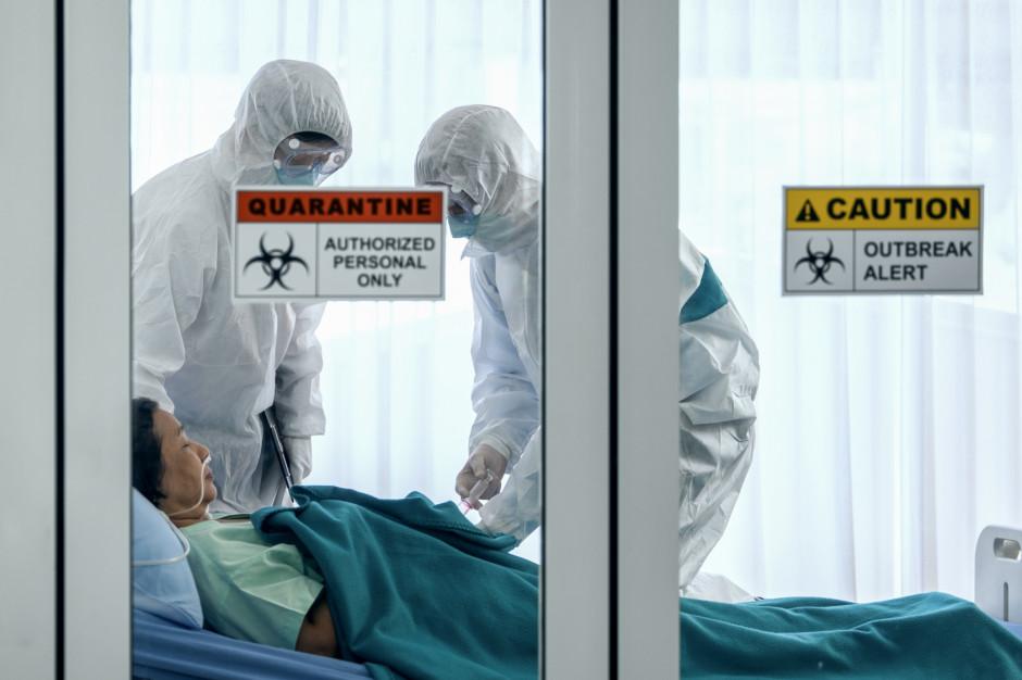 W szpitalach jest 594 chorych z COVID-19