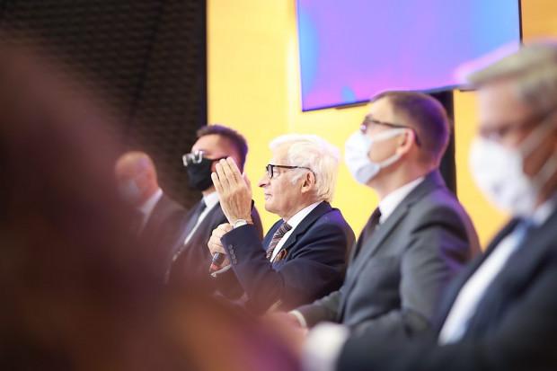 – W trakcie kongresowych obrad sprawdzimy, jak czuje się biznes, jak przeżyliśmy pandemię - móiw Jerzy Buzek (fot.PTWP)