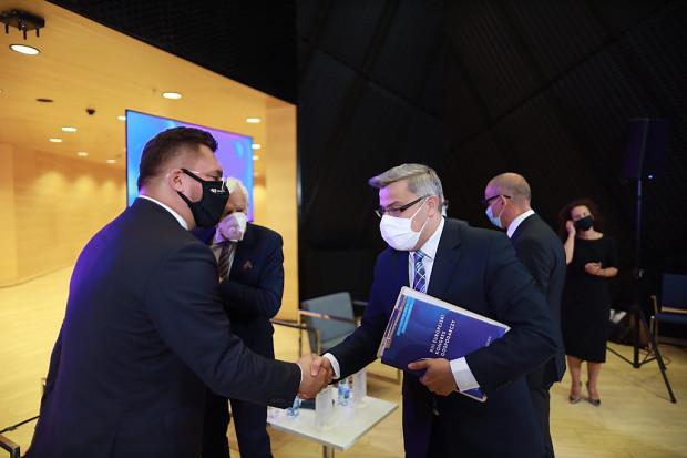 Marcin Krupa, prezydent Katowic i Jarosław Wieczorek wojewoda śląski, wspólnie zapraszali do udziału w EEC )fot. PTWP)