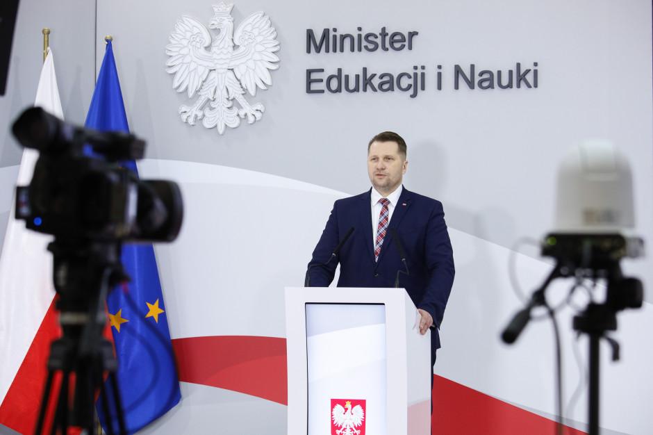 Minister Czarnek do nauczycieli: Szykujemy dla was duże podwyżki
