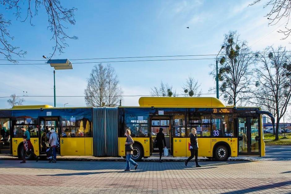 Zbiorowy transport wymaga zmian. A zmieniają się tylko projekty ustawy
