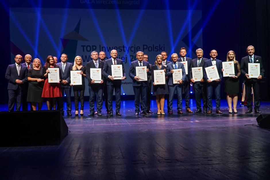 Małgorzata Jarosińska-Jedynak i Andrzej Dera wręczą nagrody najlepszym samorządom