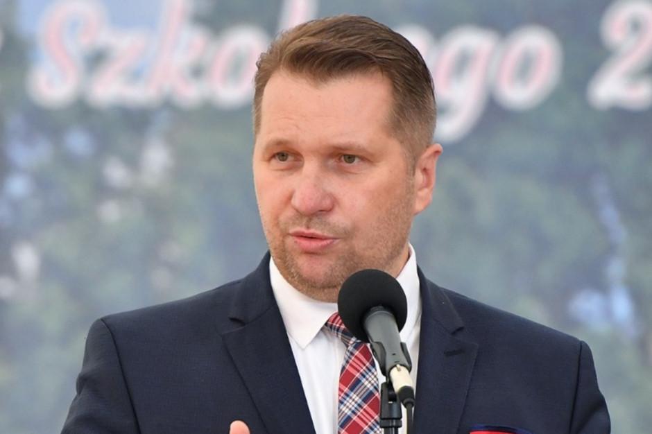 Czwarta fala pandemii a szkoły. Minister Czarnek ocenia
