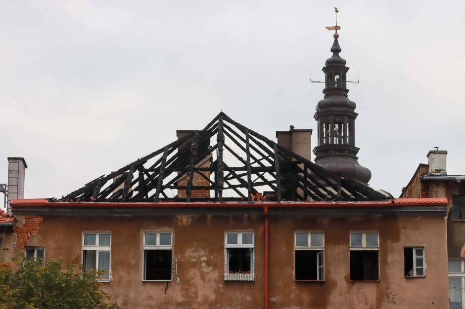 Pożar kamienicy w Świdnicy. Straty będą ogromne