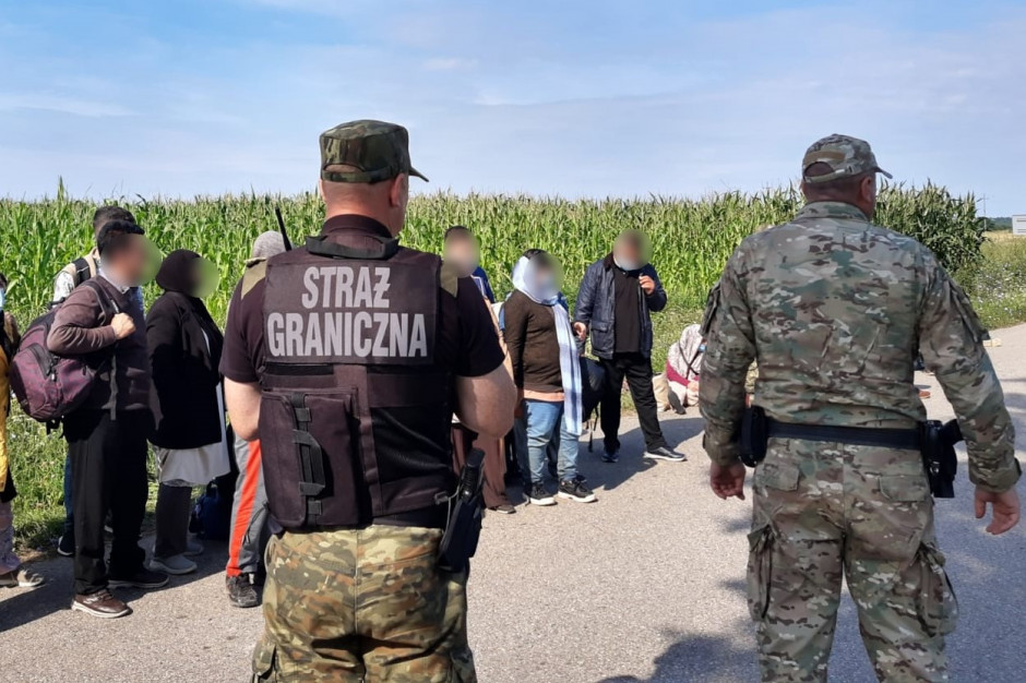 Polacy nie chcą wpuszczania do kraju uchodźców z granicy polsko-białoruskiej