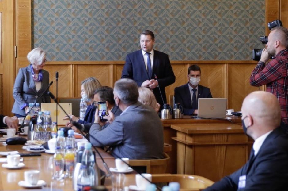 Czarnek po rozmowach z samorządowcami: Jest duża chęć do dalszej dyskusji