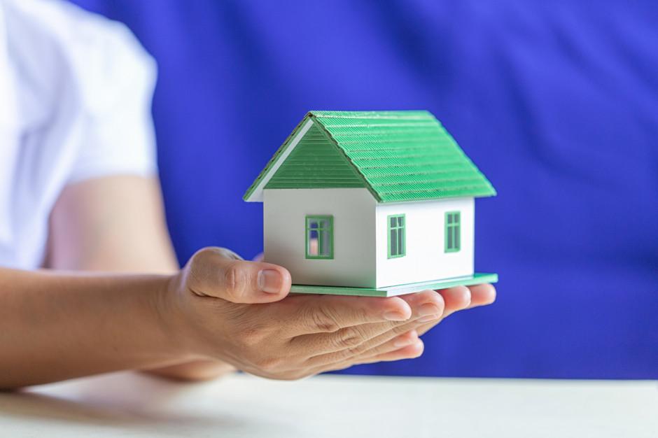 Przepisy ws. domów do 70 m2 nie wyłączają uprawnień organów nadzoru budowlanego