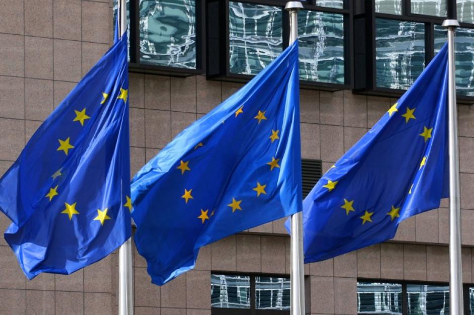 """Komisja Europejska zadowolona z wycofania się woj. świętokrzyskiego ze stanowiska """"przeciw LGBT"""""""