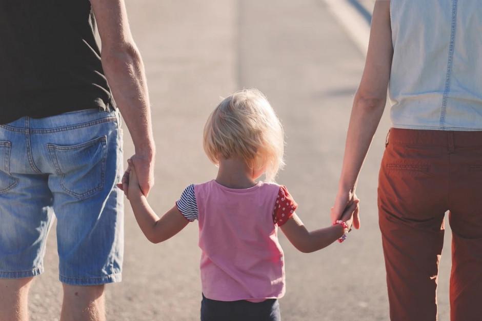 Mniej zasiłków rodzinnych dzięki 500 plus. GUS podsumował świadczenia rodzinne w 2020 r.