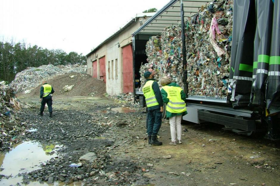 KAS zatrzymała transport 23 ton nielegalnych odpadów
