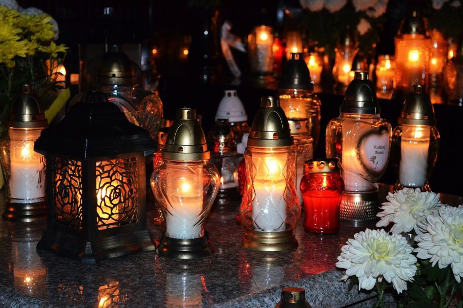 Cmentarze 1 listopada otwarte czy zamknięte? Niedzielski przedstawił rekomendacje