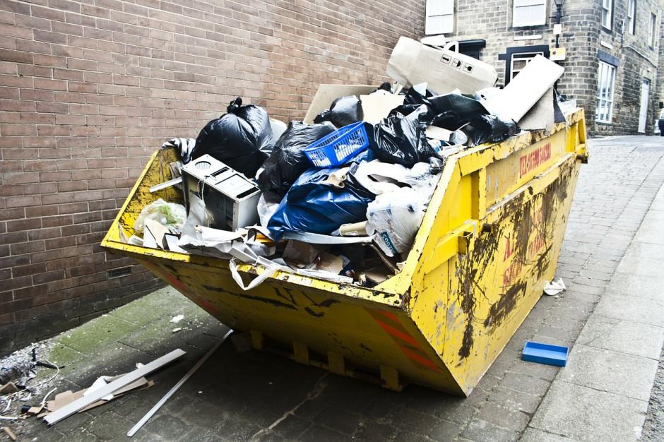 Pakiet odpadowy nieczytelny i skomplikowany. Trzeba go napisać od nowa