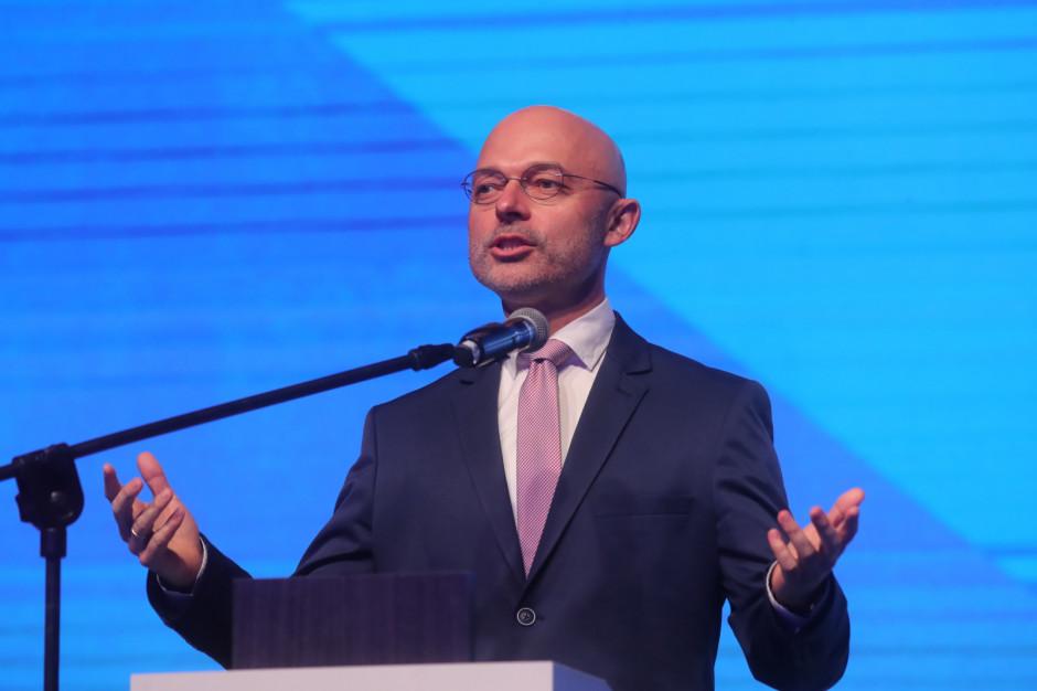 Wsparcie za rosnące ceny prądu - minister odpowiada dla kogo i ile