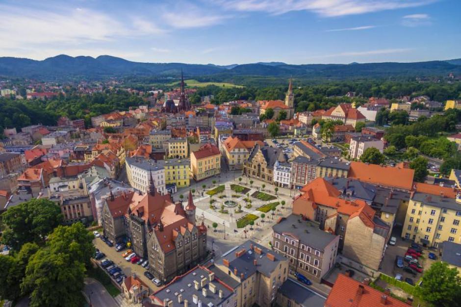 """Program """"Czyste Powietrze"""" na Dolnym Śląsku. Rusza pilotaż dla wspólnot i lokatorów"""
