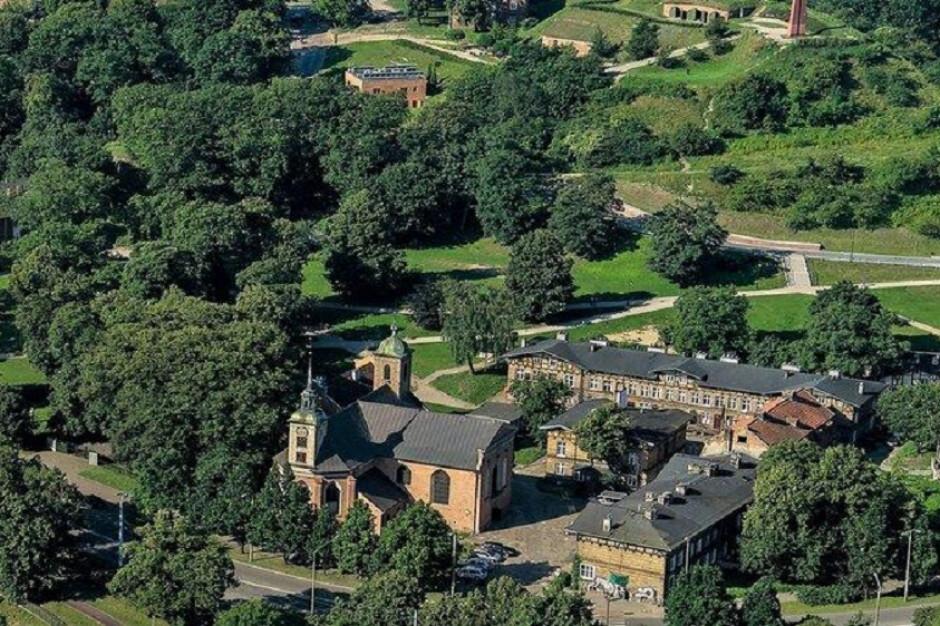 Gdańsk: Rewaloryzację przejdą trzy XIX-wieczne budynki poszpitalne