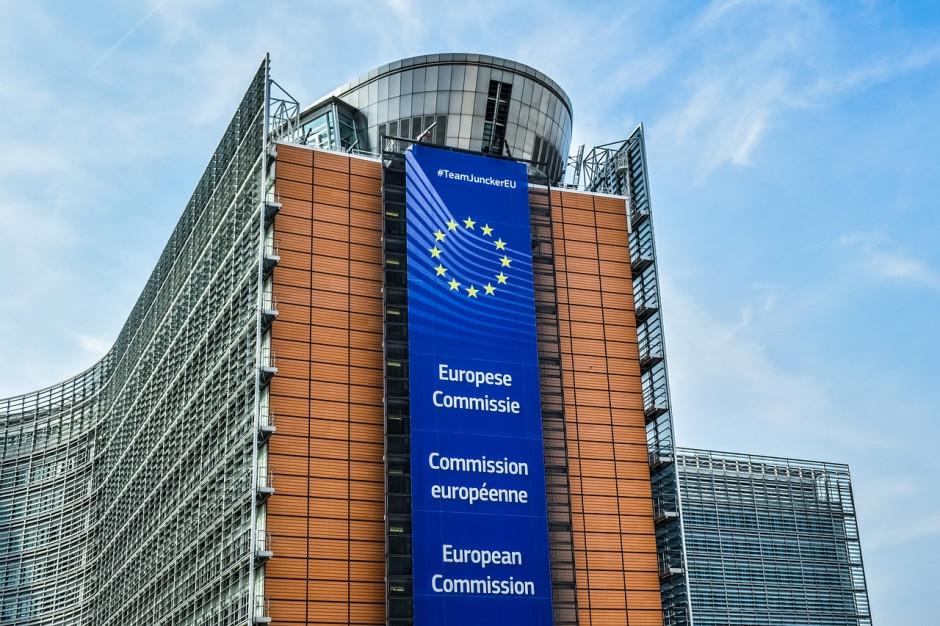 Rząd wyprostuje relacje z Komisją Europejską? Niebawem informacja o strategii działania