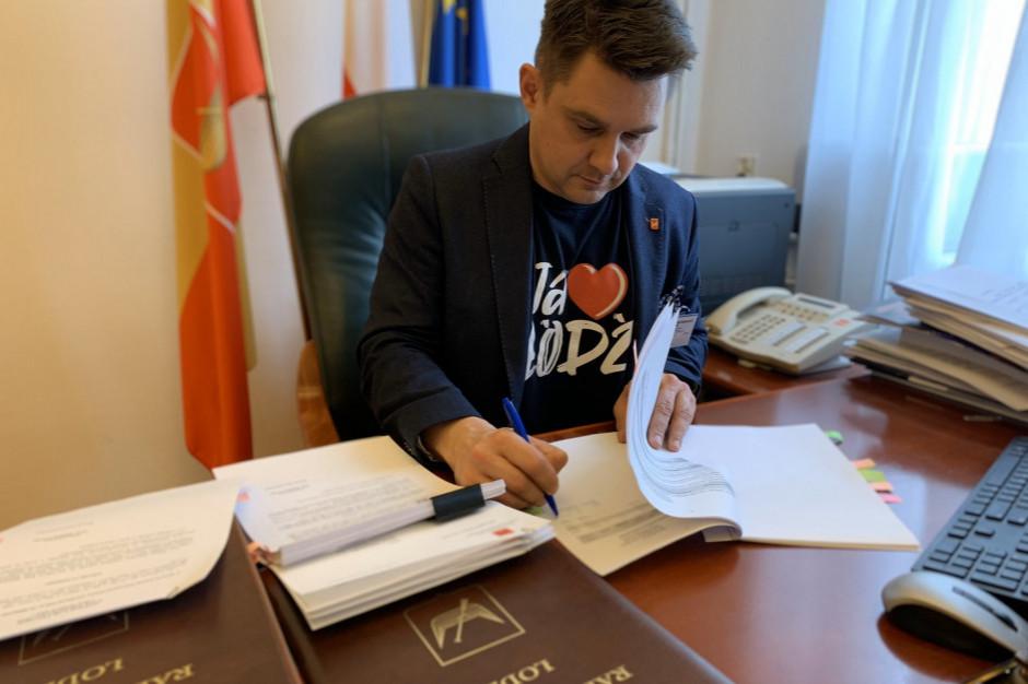 Spór o sesję łódzkiej rady z demonstracją przeciw Polskiemu Ładowi w tle