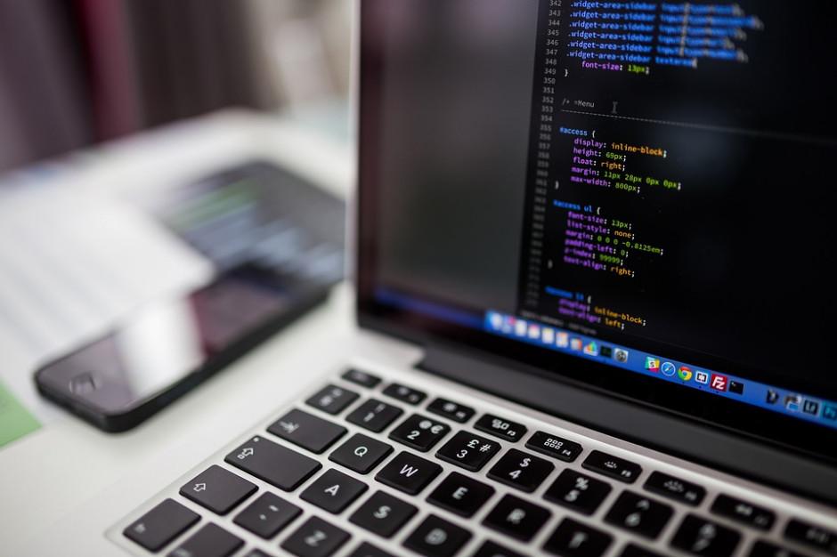 Nowelizacja ustawy o dowodach osobistych. Resort będzie mógł kupić komputery dla gmin