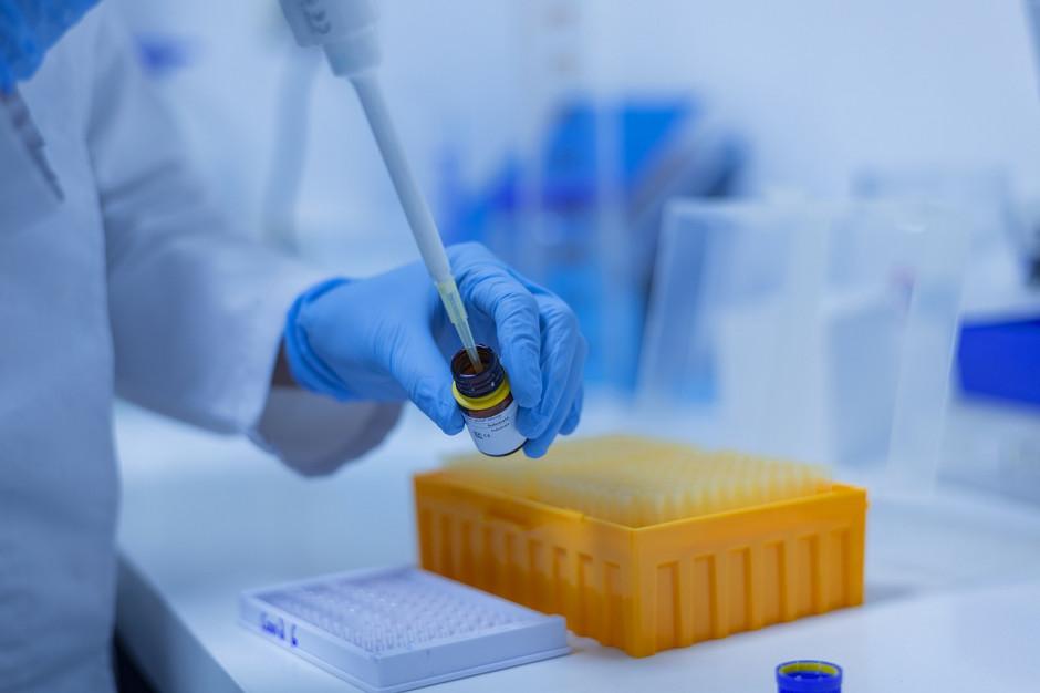 Rekord liczby zakażeń IV fali koronawirusa. Zmarło 60 osób z COVID-19
