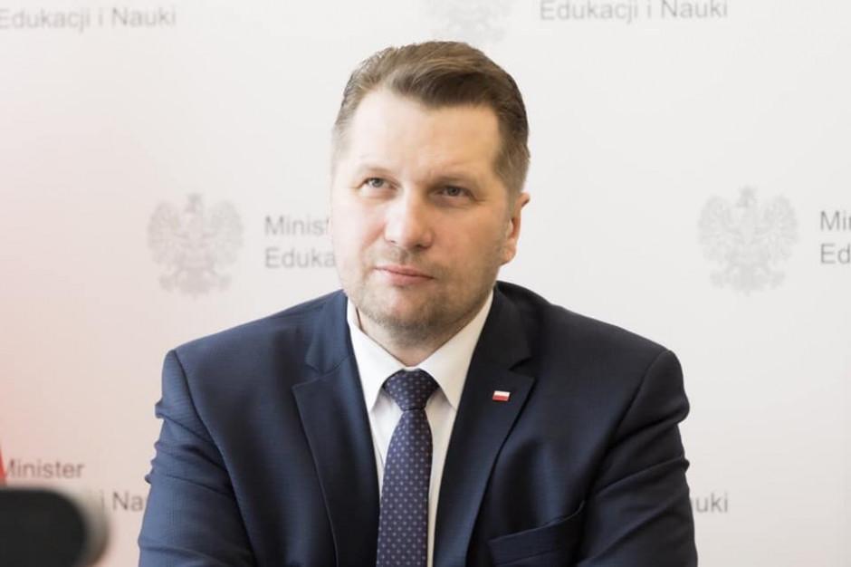 """Minister edukacji wręczył nagrody laureatom konkursu """"Nauka dla Ciebie"""""""