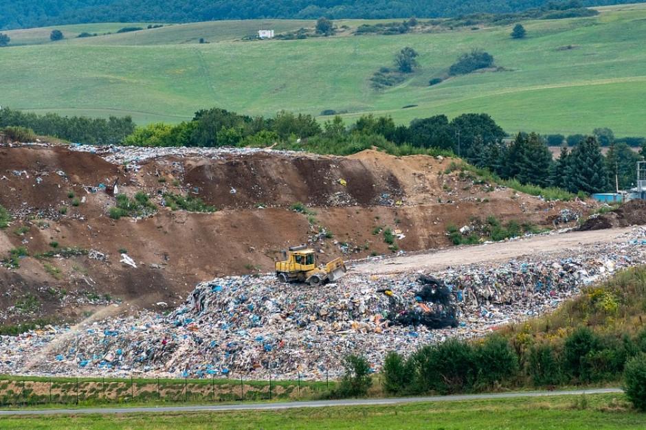 Mniej odpadów komunalnych na składowiskach. Sejm przegłosował nowelę